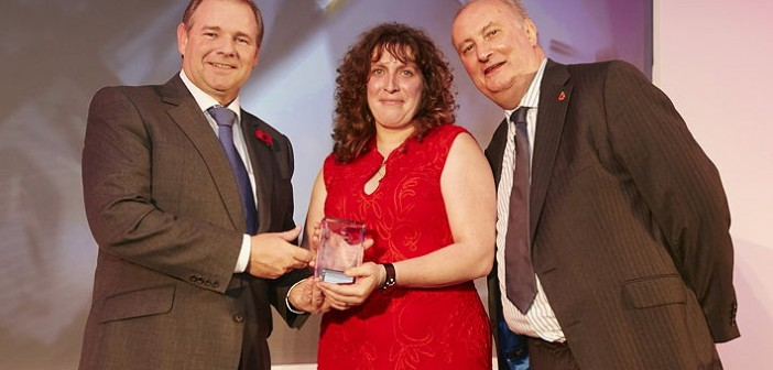 Contract Finisher of the Year – sponsored by Virkon. Won by Claire Saxby, who operates a BQP single shed with 500 places that was built in 2013. Pictured are (left to right): Virkon sales manager Andy Hughes, Claire Saxby and Alan Dedicoat